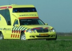 Normal_ambulance__7_